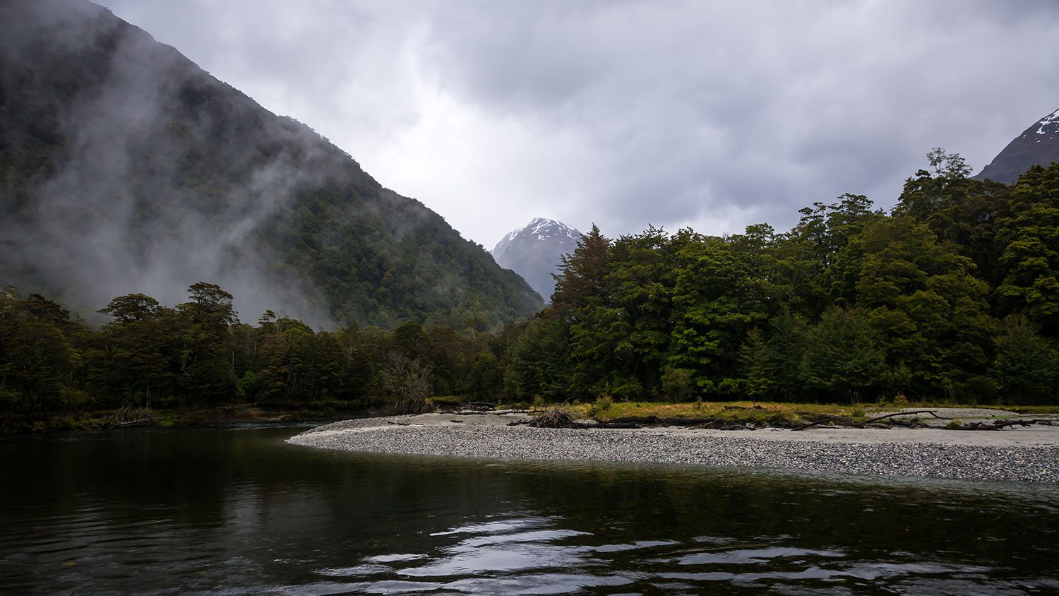 Clinton river on the milford track milford track for The milford